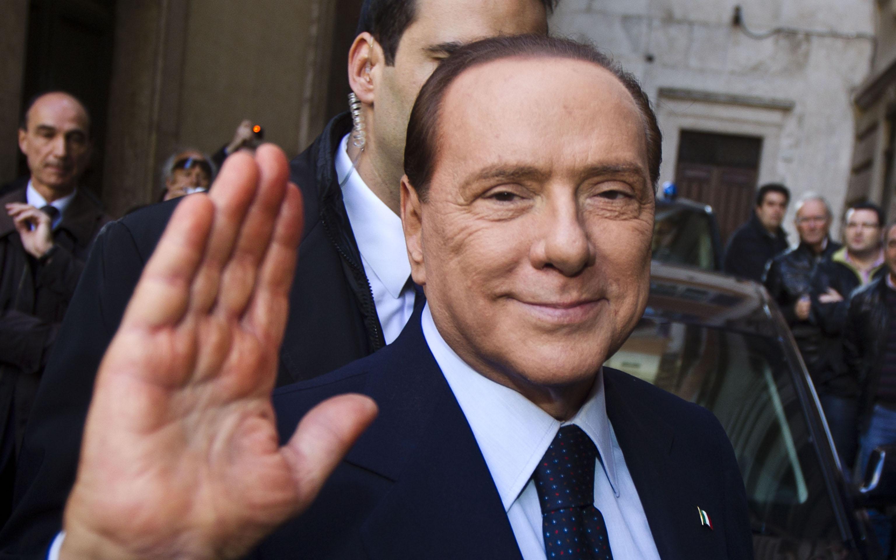 Silvio Berlusconi in una foto d'archivio. ''Non ho mai avuto dubbi. Noi siamo, sommando il debito pubblico alla finanza privata, il secondo Paese piu' solido d'Europa dopo la Germania e prima di Svezia, Francia e Gran Bretagna - ha detto Berlusconi - l'Italia 'e' indebitata ma ha cittadini benestanti. Non dobbiamo quindi essere preoccupati''. ANSA/MASSIMO PERCOSSI